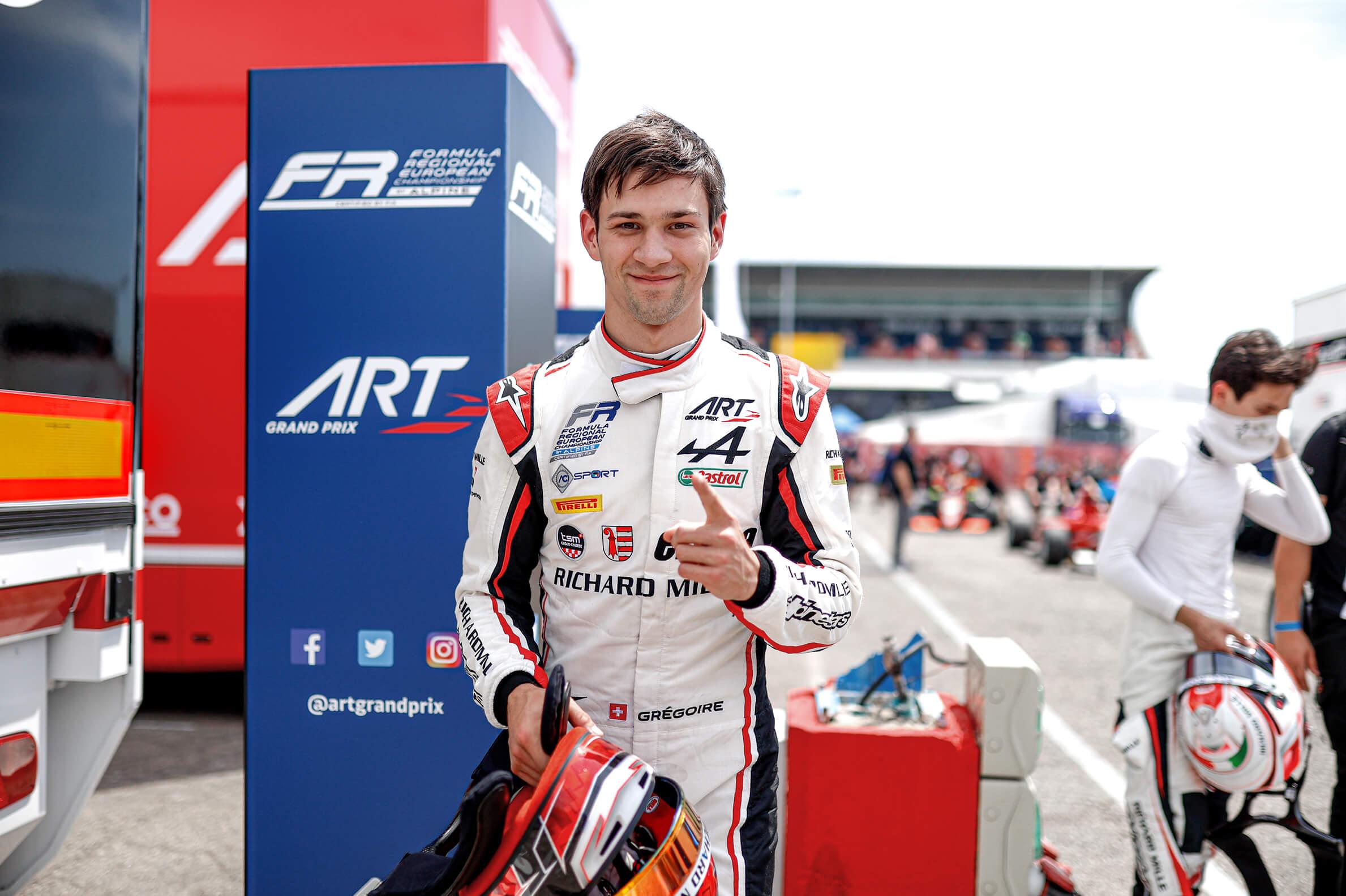 Double victoire en Formule Régiona...